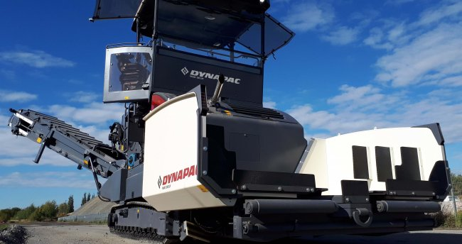 Challenging the Status Quo - Dynapac MF2500CS Feeder showcases at World of Asphalt 2019